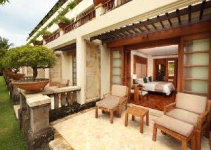 Nusa Dua Beach Hotel & Spa Kamar Tamu