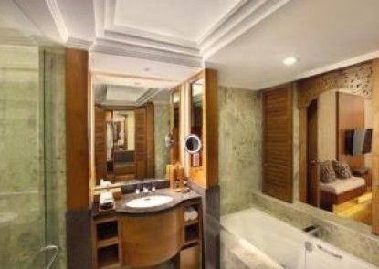 Nusa Dua Beach Hotel & Spa Kamar Mandi