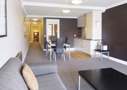 Oaks Shores Apartments