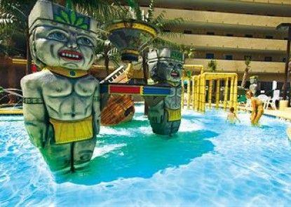 Ocean Reef Resort Teras