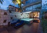 Pesan Kamar Oceanfront Suite with Infinity Pool di Katamaran Hotel & Resort
