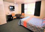 Pesan Kamar Kamar Khas, 1 Tempat Tidur Queen di Ocean Paradise Holiday Units