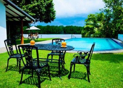 Okvin River Villa