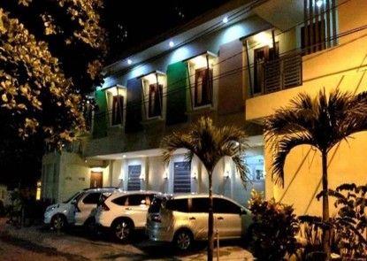 Omah Denaya Hotel Tempat Parkir