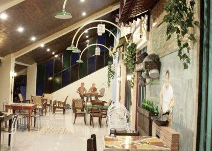 Omah Njonja Bed & Brasserie Rumah Makan