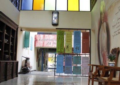 Omah Njonja Bed & Brasserie Lobby