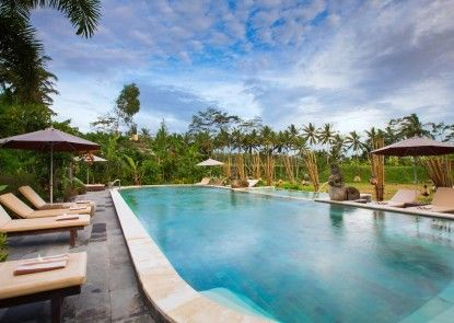 Om Ham Retreat and Resort Teras