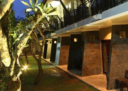 Ommaya Hotel & Resort Teras