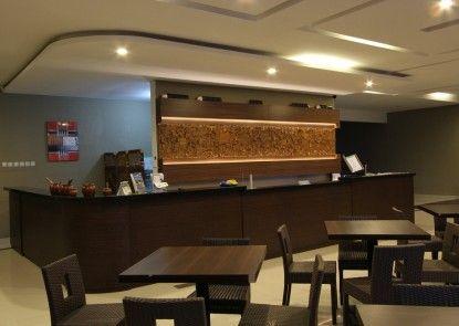 Ommaya Hotel & Resort Penerima Tamu