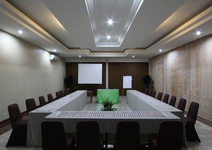 Ommaya Hotel & Resort Ruang Pertemuan
