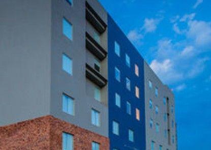 One Monclova Hotel