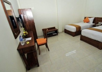 Orange Guest House Teras