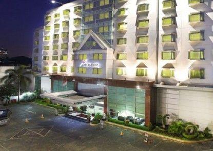 Orchardz Jayakarta Hotel Pintu Masuk