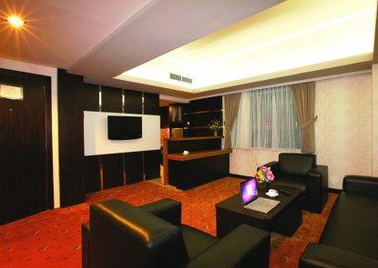 Orchardz Jayakarta Hotel Ruangan Suite
