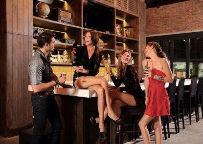 Ossotel Legian Bar