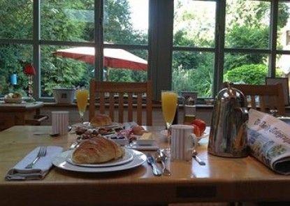 Overglen Court Bed & Breakfast