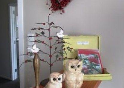 Owls Nest Motel