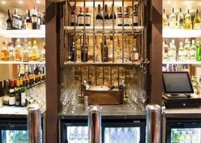 Ox Hotel Bar & Grill