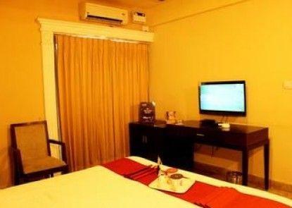 OYO Premium Mysore Nazarbad Road 2