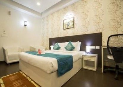 OYO Rooms Near Cosmos Mall