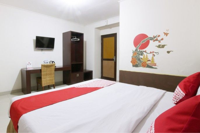 OYO 129 Basura City Apartment, Jakarta Timur