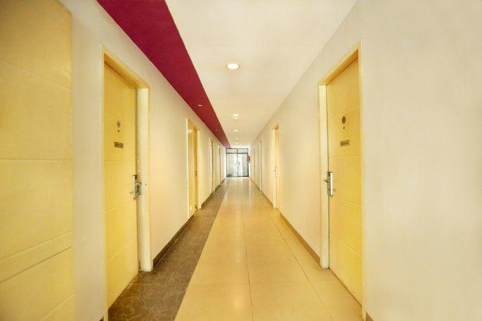 OYO 136 Manggis Inn Near RSU Kecamatan Taman Sari, Jakarta Barat
