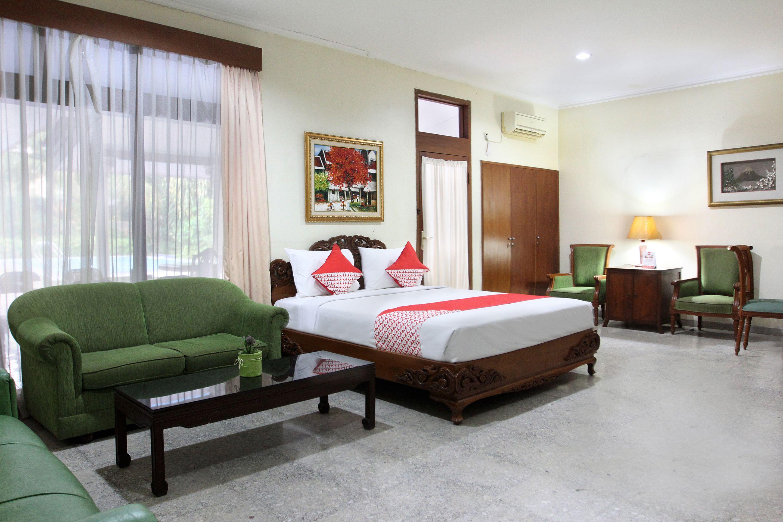 OYO 154 Griya Patria Residence, Jakarta Selatan