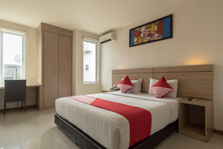 OYO 319 Putra Mulia Hotel, Medan