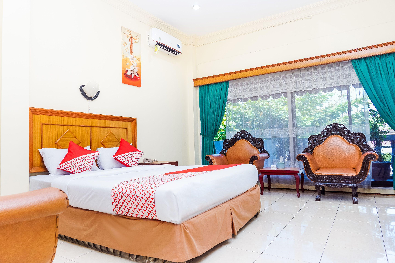 OYO 375 Hotel Bougenville Syariah, Padang