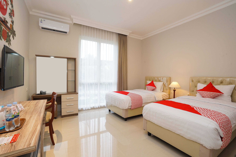 OYO 388 Raka Residence Syariah, Surabaya