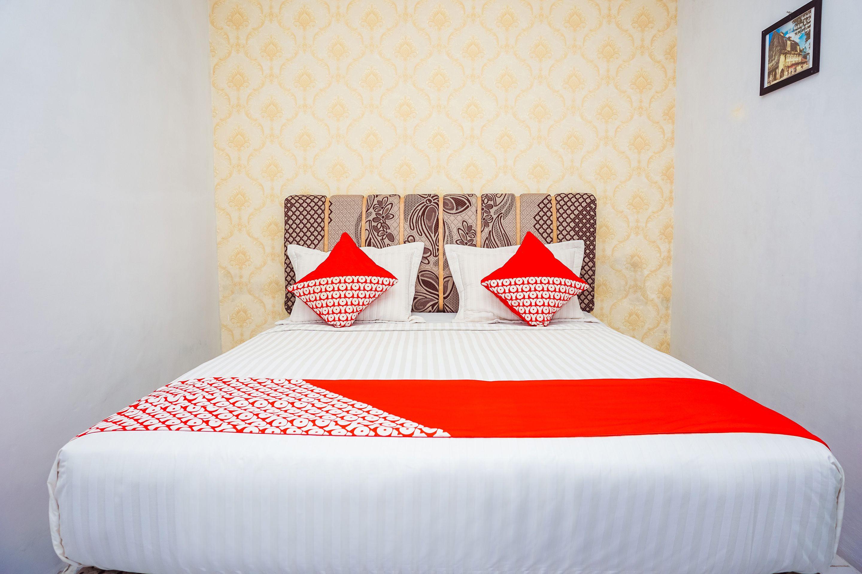 OYO 433 Nelvi Guest House Syariah, Padang