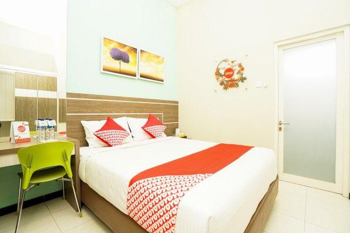 OYO 484 Ardhya Hotel Syariah, Surabaya