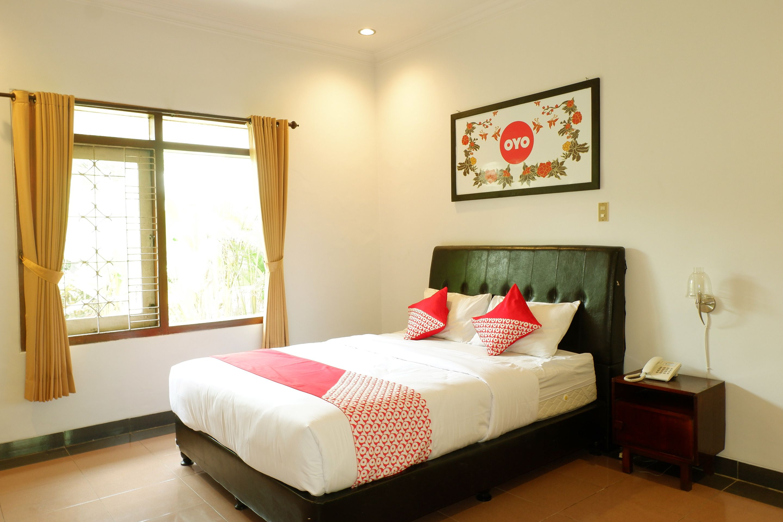 OYO 517 Hotel Arjuna Lawang