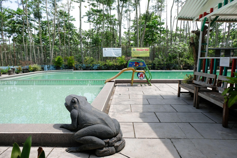 OYO 563 Damar Mas  Resort Lereng Kelud,Ngancar