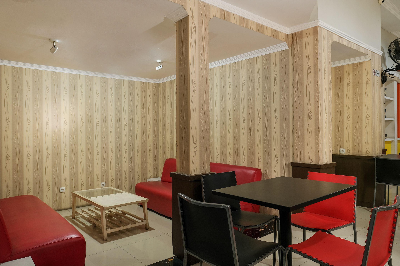 OYO 589 Hotel Desa Puri Syariah, Bantul