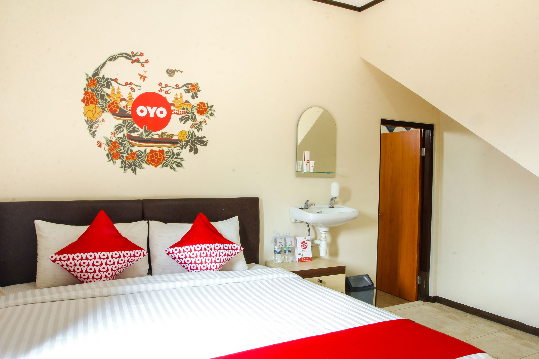 OYO 677 Rianes Family Guest House, Bandung