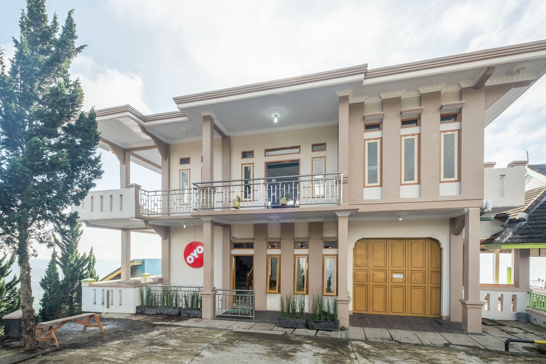 OYO 705 Puncak Darajat Resort, Garut