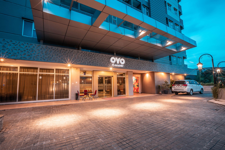 OYO Flagship 728 Baileys Apartment,Ciputat