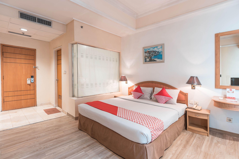 OYO 784 Hotel Bulevar, Jakarta Barat