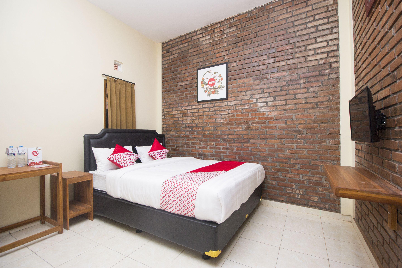 OYO 952 Annisa Syariah Guest House, Sleman