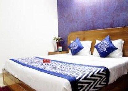 OYO Premium Hari Nagar