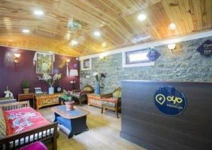 OYO Premium Mall Road Near Raj Bhavan Darjeeling