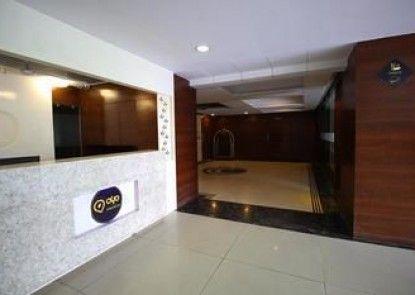 OYO Premium Sola SG Highway