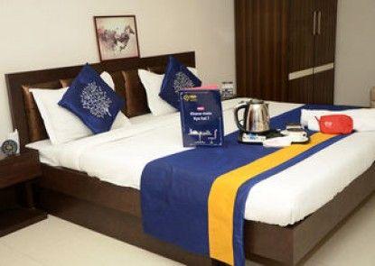 OYO Premium Swaroop Nagar