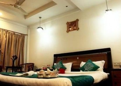 OYO Rooms Ballygunge South Point School