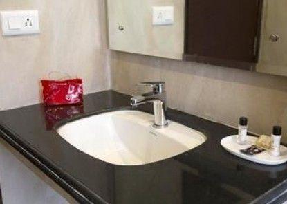 OYO Rooms Bani Park Shri Ram Marg