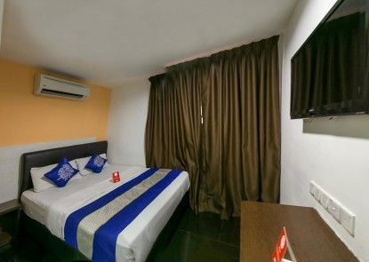OYO Rooms Chowkit GM Plaza