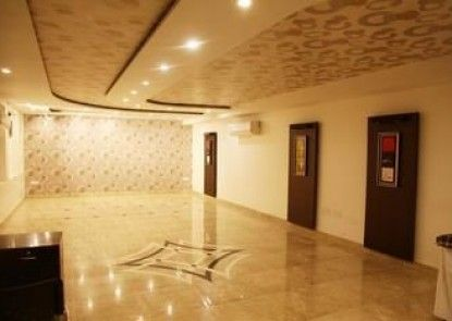OYO Rooms Mall Road Cantonment