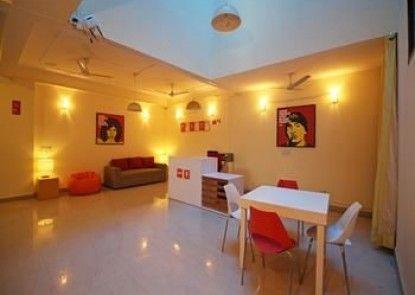 OYO Rooms Noida Expressway Boulevard