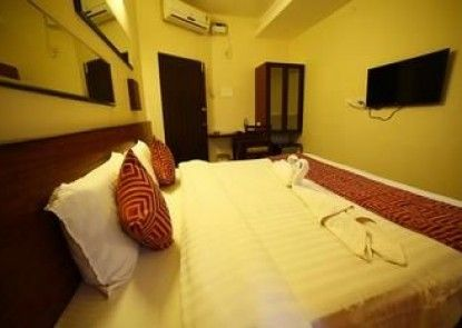 OYO Rooms off Aurobindo Ashram